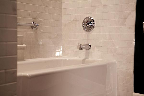 Bathtub liners bathroom remodel springfield missouri for Acrylic bathtub liners cost