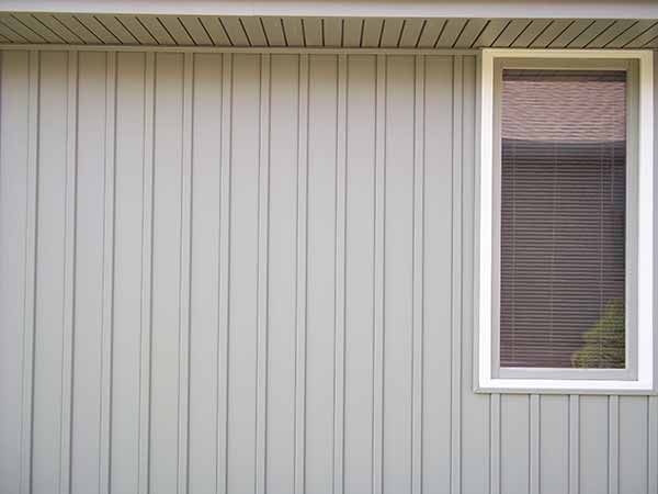 Verticle vinyl siding siding springfield missouri for Vertical wood siding options