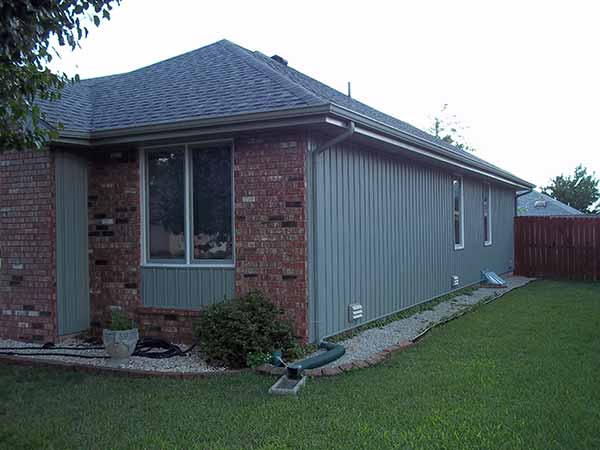 Vertical Vinyl Siding Installer Springfield Missouri